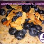 haferbrei-mit-blaubeeren-mandeln