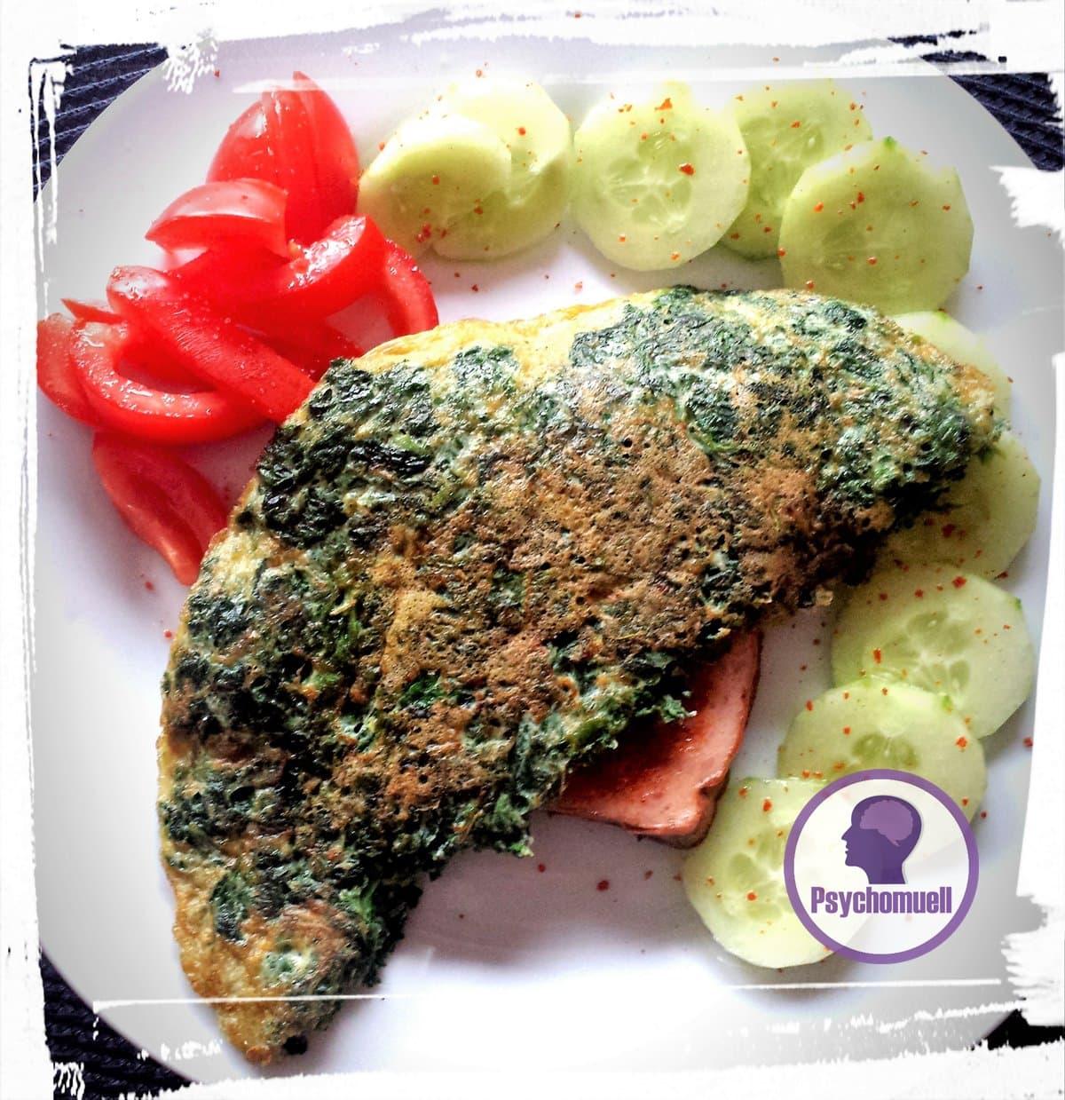 Frühstück: Spinat-Pfannkuchen mit Leberkäse u. Gurke