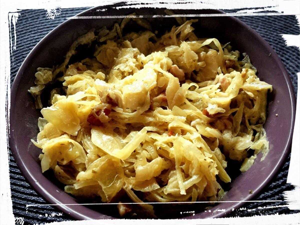 Sauerkraut mit Speck und Sahne